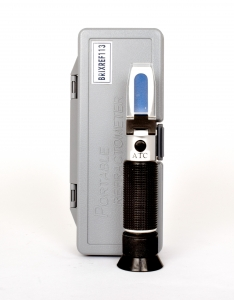 Refractometer Brix 0-32 hand held auto temperature compensation