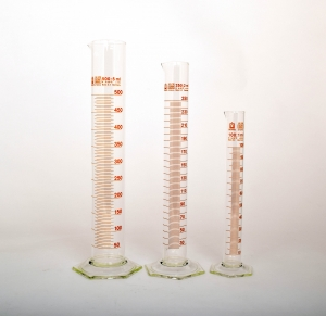 Measuring cylinder Class B 500 mL with graduations